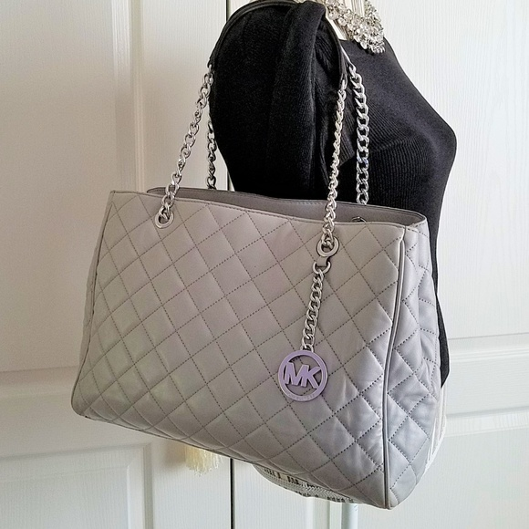 d69be6574fb8 MICHAEL KORS Large Pearl Gray Quilted Susannah Bag.  M_5aff0c345521be51d990f833